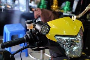 Lắp thêm đèn trợ sáng và đèn mắt cú cho xe máy có bị Phạm Luật hay không