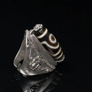 Nhẫn đá lạt ma dzi beads