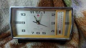 Đồng hồ xưa Trung cộng kiêm nhiệt kế