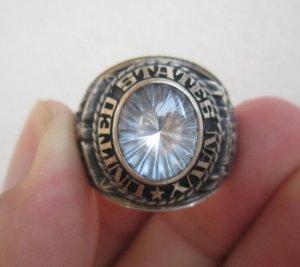 Nhẫn bạc xưa quân đội hải quân Hoa Kỳ, hột trắng tia độc đáo.