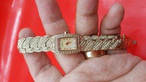 Đồng hồ lắc đeo tay DNKY chính hãng nữ dây vỏ lacke vàng