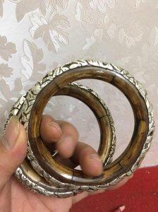 Giao lưu nhanh cặp vòng bằng xương bọc đồng mạ bạc giá 1,4tr/2 cái