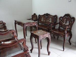 Bán 01 bộ bàn ghế Louis bằng gỗ gụ đã có hơn 100 năm tuổi