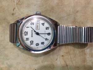Đồng hồ cổ Raketa do Liên Xô cũ sản xuất