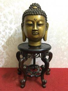 Phật Thủ rất đẹp và độc đáo thần thái và có hồn. Chất liệu: Đồng đúc. Kích thước: Cao 21/14 nặng 2.6