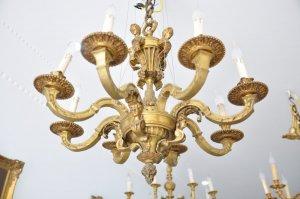 Đèn chùm cổ Châu Âu (LH: Ms.Hằng 0979.837.869)