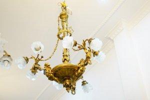 Đèn chùm cổ Châu Âu ( LH: Ms.Hằng 0979.837.869)