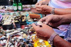 Những chợ đồ cũ nổi tiếng nhất Sài Gòn mà bất kỳ dân chơi nào cũng phải biết
