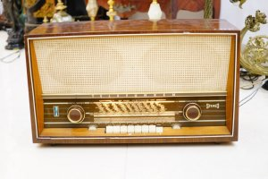 Đài FM cổ Châu Âu ( LH: Ms.Hằng 0979 837 869)