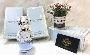 Daisy của MJC là một trong những thiết kế nước hoa dễ thương nhất