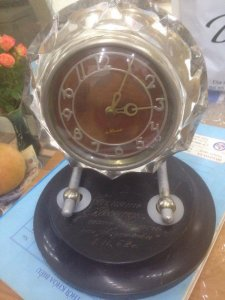 Đồng hồ pha lê Nga