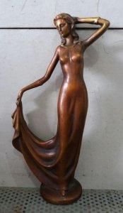 Tượng mỹ nữ bằng đồng xưa