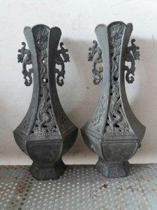 Cặp bình hoa bằng đồng xưa
