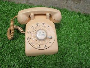 Sưu tầm điện thoại cổ - Made in Canada