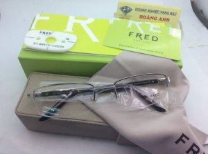 kính Fred có gọng kính lắc kê vàng trắng