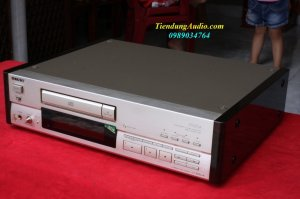 CD SONY CDP-555ESA