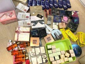 Trên 400 mẫu nước hoa & nhiều mặt hàng mỹ phẩm khác GIÁ CỰC SỐC có sẵn tại Shop!
