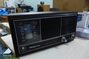 Bán Radio Magnavox 1R1724 và Motorola TT34ES - USA