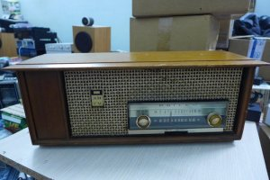 HCM - Q10 - Bán radio đèn Philco