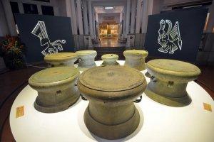 Những cổ vật của nền văn hóa Đông Sơn được triễn lãm trưng bày tại Hà Nội