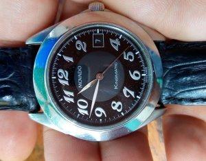Đồng hồ Movado tự động