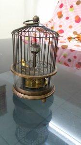 Đồng hồ lồng chim lên dây chạy tự động