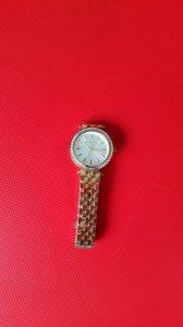 Đồng hồ nữ Michael Kors viền pha lê