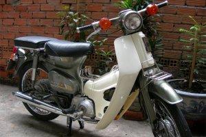 Cung-nhin-lai-nhung-mau-xe-may-co-da-di-vao-huyen-thoai-o-Viet-Nam (4).jpg