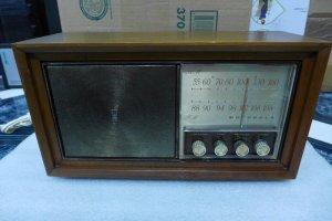 HCM -Q10 - Bán radio đèn...