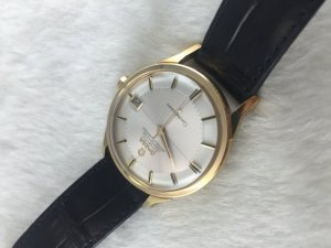 "Omega Constellation Pie Pan Chronometer Automatic ""dog leg"" solid 18k gold Cal564 Cross dial"