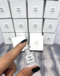 Tinh dầu Chanel N5 Leau siêu tí hon 1.5ml