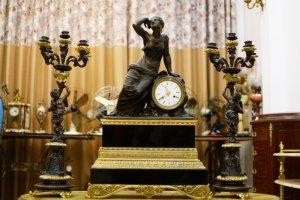 Đồng hồ tượng cổ để bàn Châu Âu (LH: Ms.Hằng 0979.837.869)