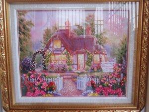Kính phố 08 bức tranh thêu thủ công bằng vải Ribăng rất đẹp và lạ