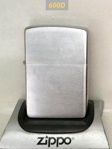 Z.600D-chữ xéo 1960-PLAIN -tình trạng :ko cấn móp, có xước nhẹ -mộc ngược :6 chấm, pat:2517191 -ruột