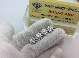 Hoa tai vàng trắng gắn toàn kim cương thiên nhiên ổ ngoại