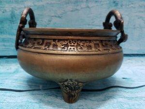 """Lô hương Lý Long (Thuồng Luồng)bằng đồng. Triện:""""Thế Cổ Chi Bảo"""""""