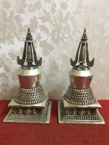 Bảo Tháp Phật Giáo. Chất liệu: Đồng tráng bạc. Kích thước: Cao 20/09 nặng 1.4kg. Liên hệ: 0964.642.6