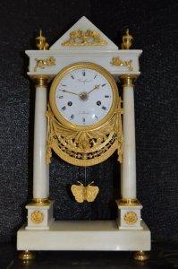 Đồng hồ cổ đầu thế kỉ 19