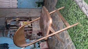 Ghế sắt xếp kiểu xưa