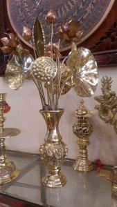 Lọ hoa sen bằng đồng