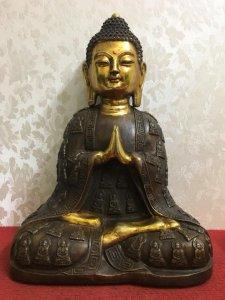 Giao lưu bức tượng Phật thích ca rất đẹp và thần thái. Chất liệu: Đồng đúc. Kích thước: Cao 39/28 nặ