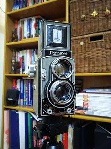 Bán máy ảnh cổ của Tiệp...