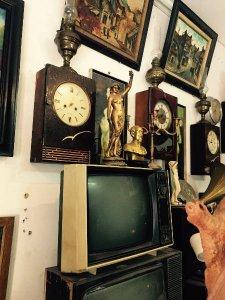 Tivi xưa, loa cây, âm ly, đồng hồ móc khóa , tượng, đồ linh tinh e dọn ăn tết update liên tục