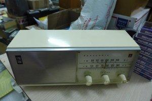 HCm - Q10 - Bán radio đèn Panasonic RE-710
