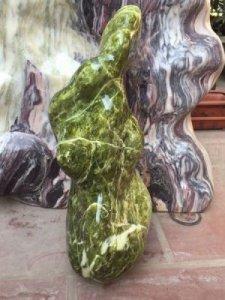 Cây đá xanh ngọc tự nhiên cao 48cm,ngang 22cm,chất ngọc đẹp