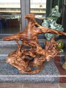 Tác phẩm của thiên nhiên núi rừng Hà Giang(Lũa ngọc am dáng đẹp ạ),cao 67cm