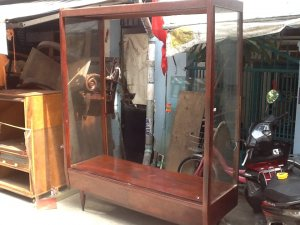 tủ treo áo tiệm may xưa cẩm lai