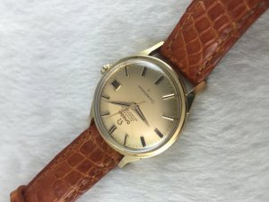 "Omega Constellation Chronometer Automatic ""dog leg lugs"" solid 18k gold Case & Dial 18k Cal561"