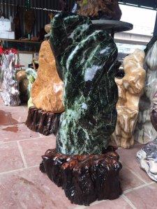 Cây đá ngọc đẹp đáng để sưu tầm cao 89cm