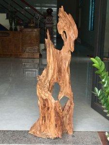 Lũa ngọc am Hà Giang cao 1 mét 25cm